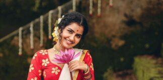 Anupama Parameshwaran in kasavyu half saree by Pranaah for onam 2021-2