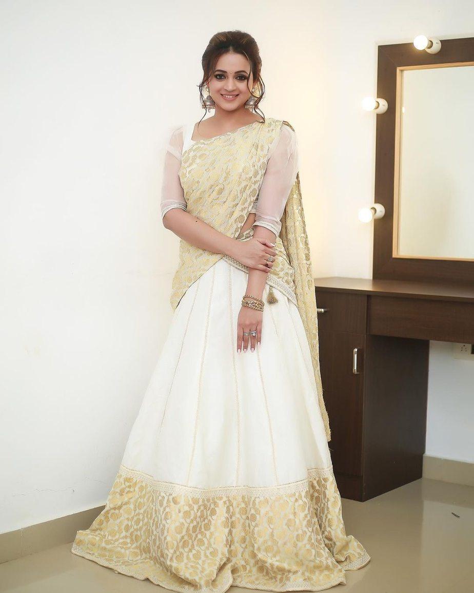 Bhavana Menon in a kasavu half saree by label M-4