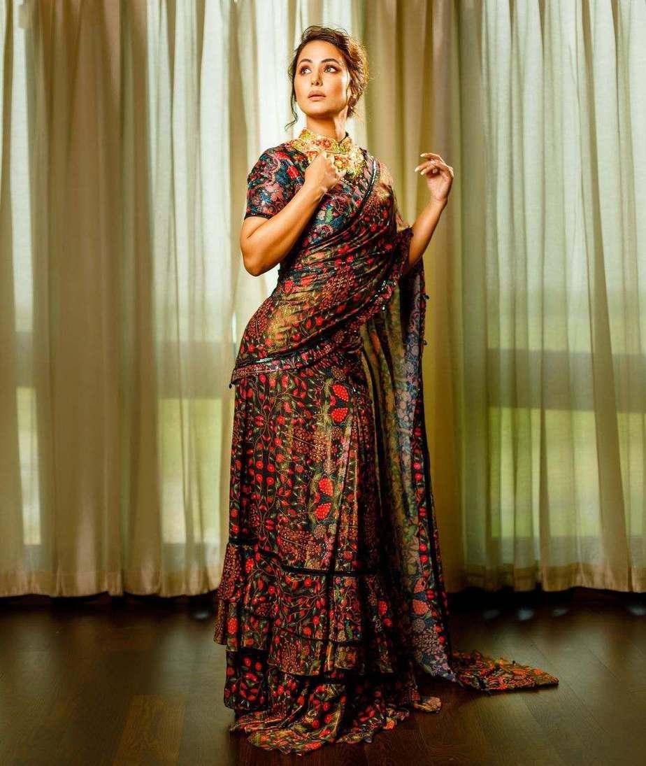 Hina Khan in a black ruffle saree by Rabani and Rakha-1