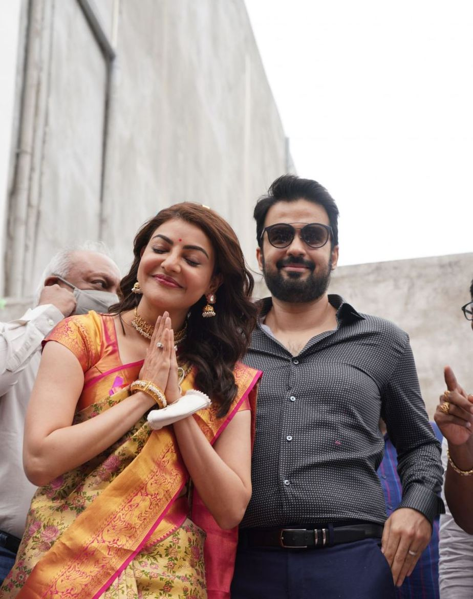 Kajal aggarwal in a pattu saree for a mall opening-3