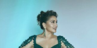 Madhuri dixit in a forest green lehenga set by Amit Aggarwal for dance deewane-2