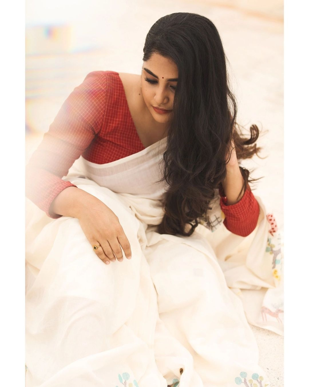 Manjima Mohan in a white saree by Wrii for onam 2021-1