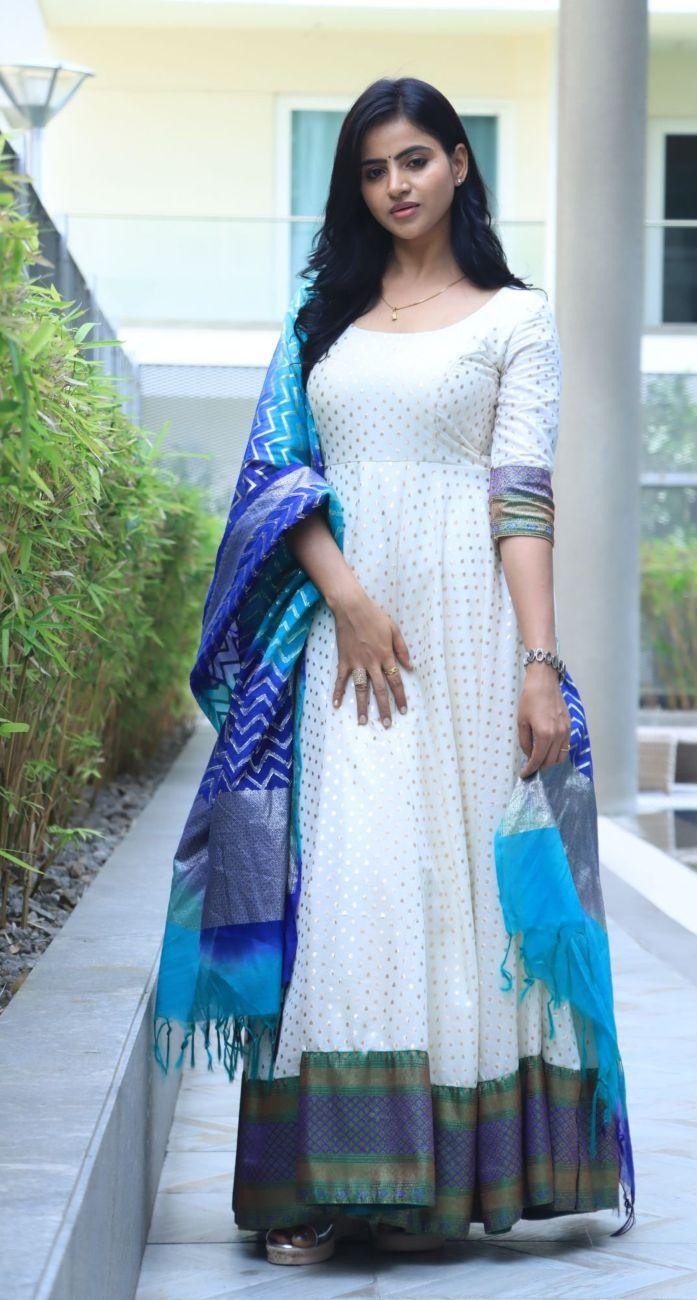 Naveena Reddy in white anarkali by Kadhambari for dear megha promotions-1