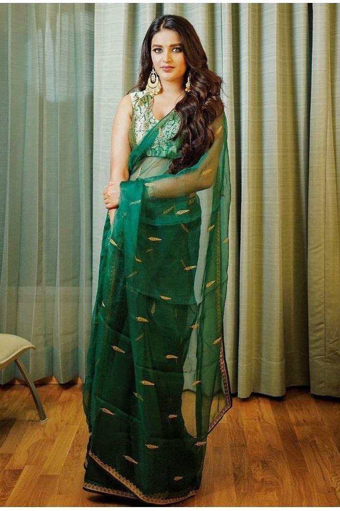 Nidhhi Agerwal in a green raw mango saree-3