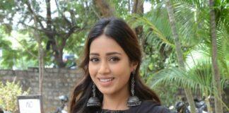 Nivetha Pethuraj in a black saree for paagal trailer launch-4