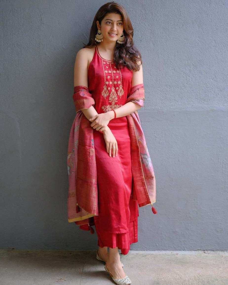 Pranitha subash in a red kurta set by label varsha for janmashtami-1