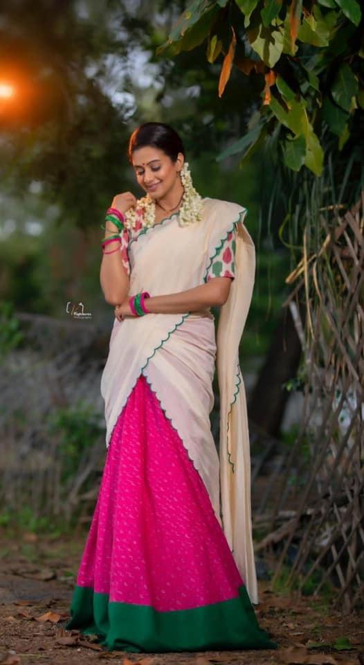 Priyamani raj in a handloom half saree by Feathers btq for dhee kings-5