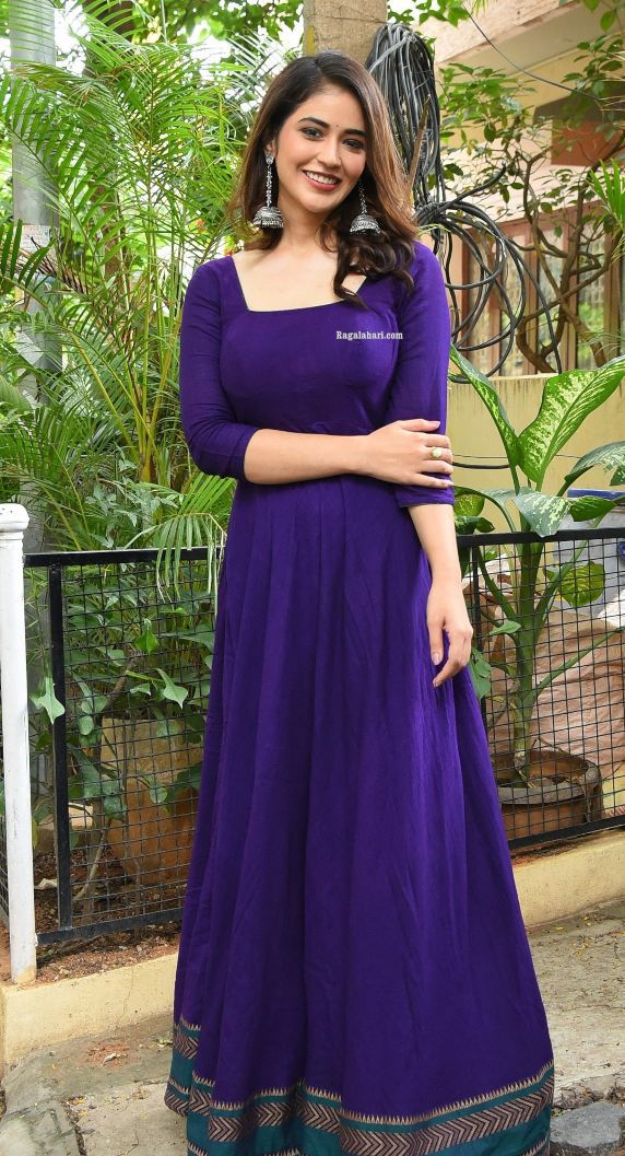 Priyanka jawalkar in a blue anarkali for sr kalyanamandapam movie interview-1