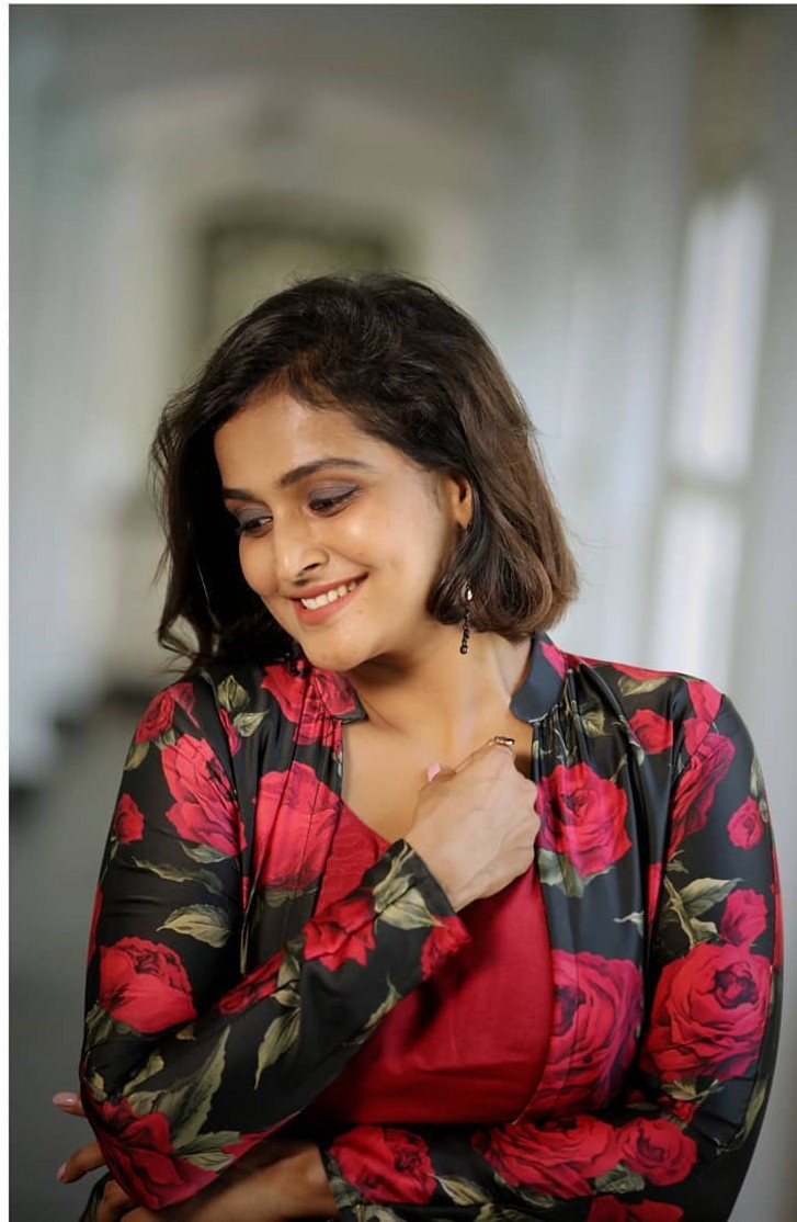 Ramya Nambessan in a red dress and jacket by Yoshnas-2