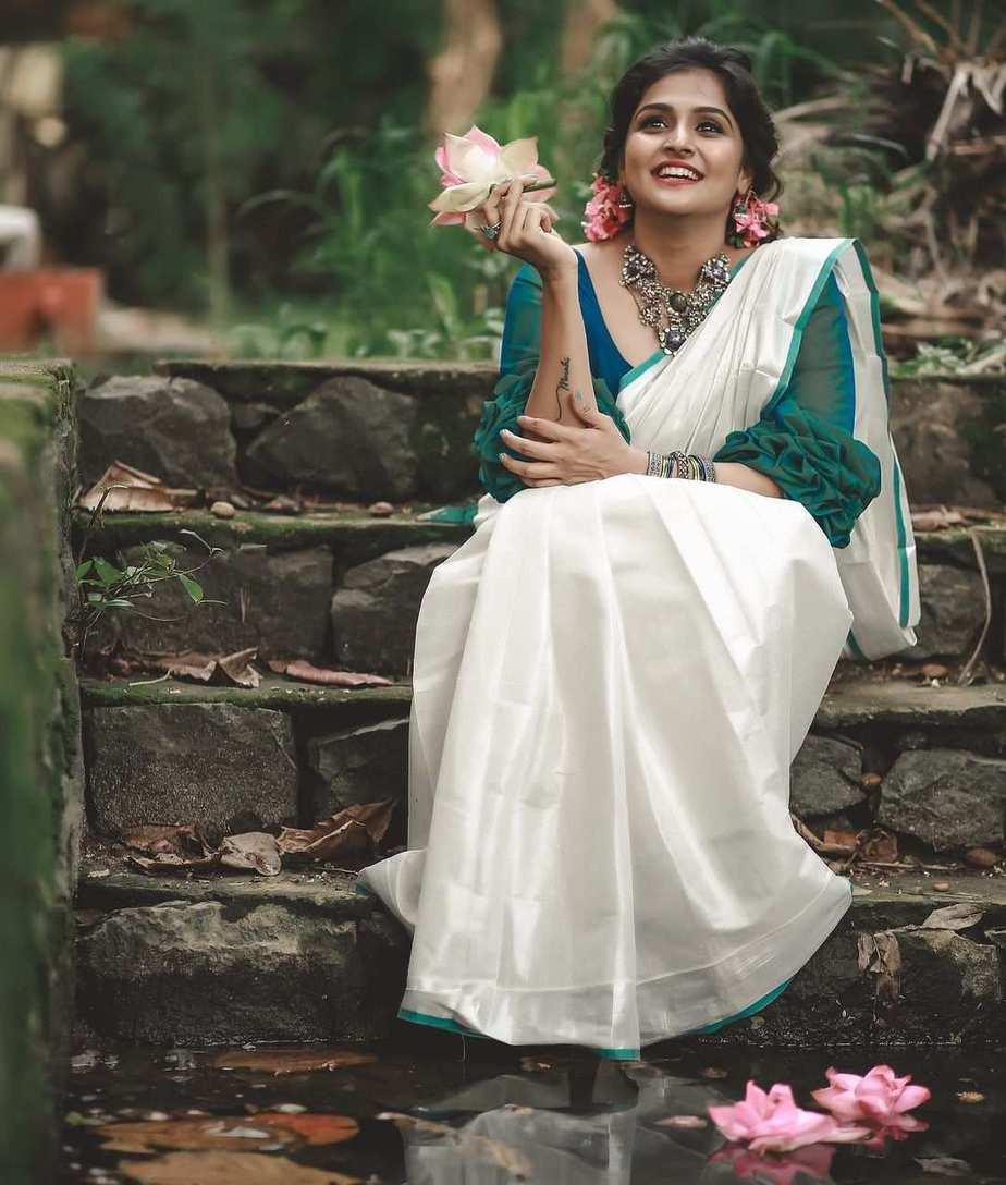 Ramya nambessan in a da amnz set saree for uthradam-1