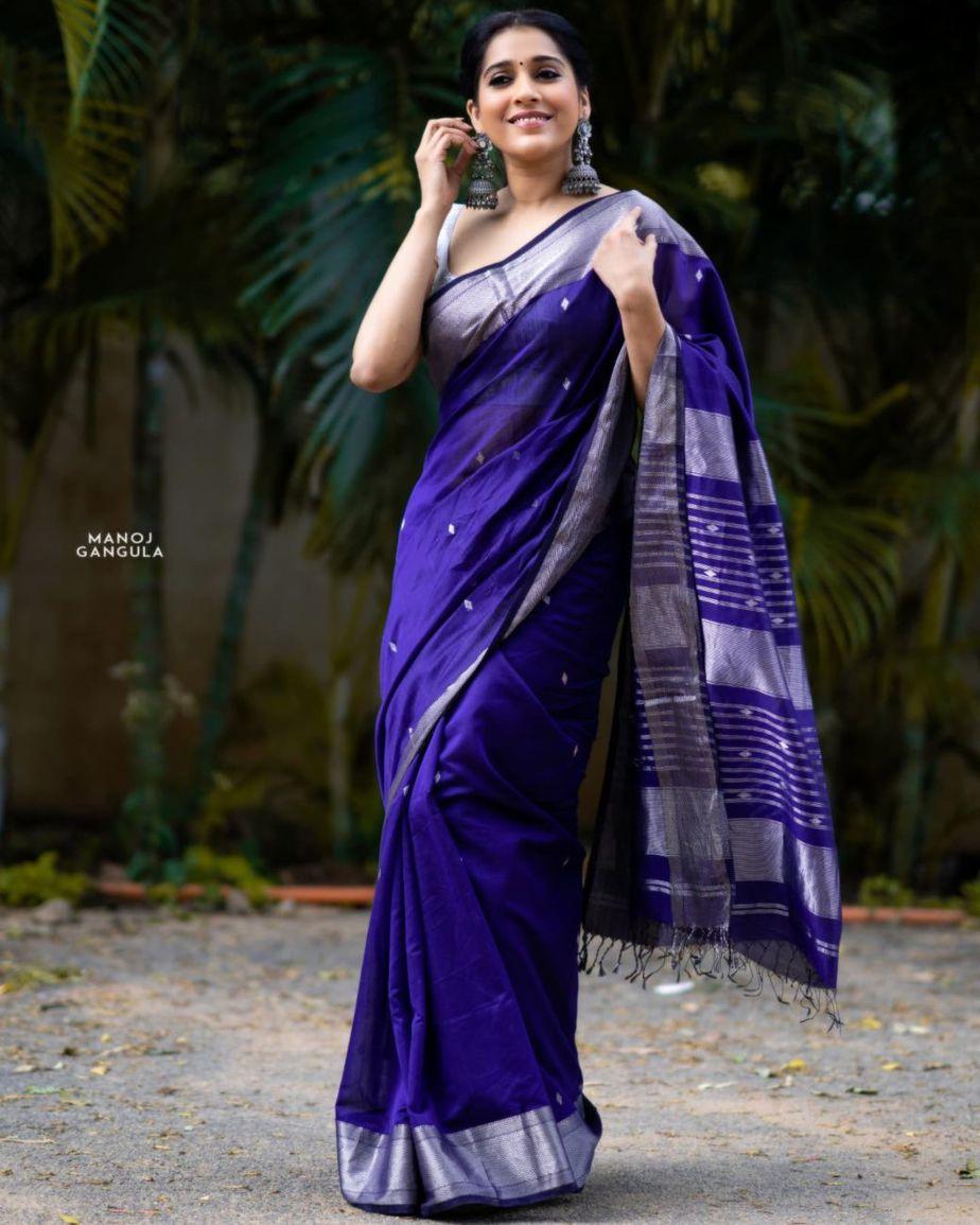 Rashmi Gautam in a navy blue saree by the pallu shop
