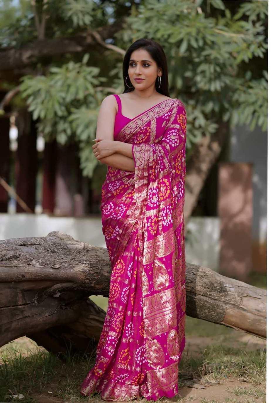 Rashmi gautam in a pink bandhej saree by anvitha-2