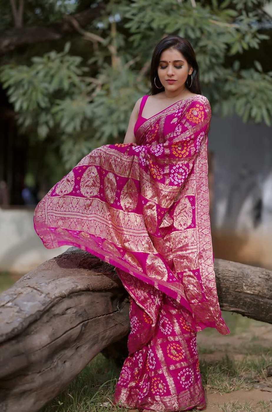 Rashmi gautam in a pink bandhej saree by anvitha-3