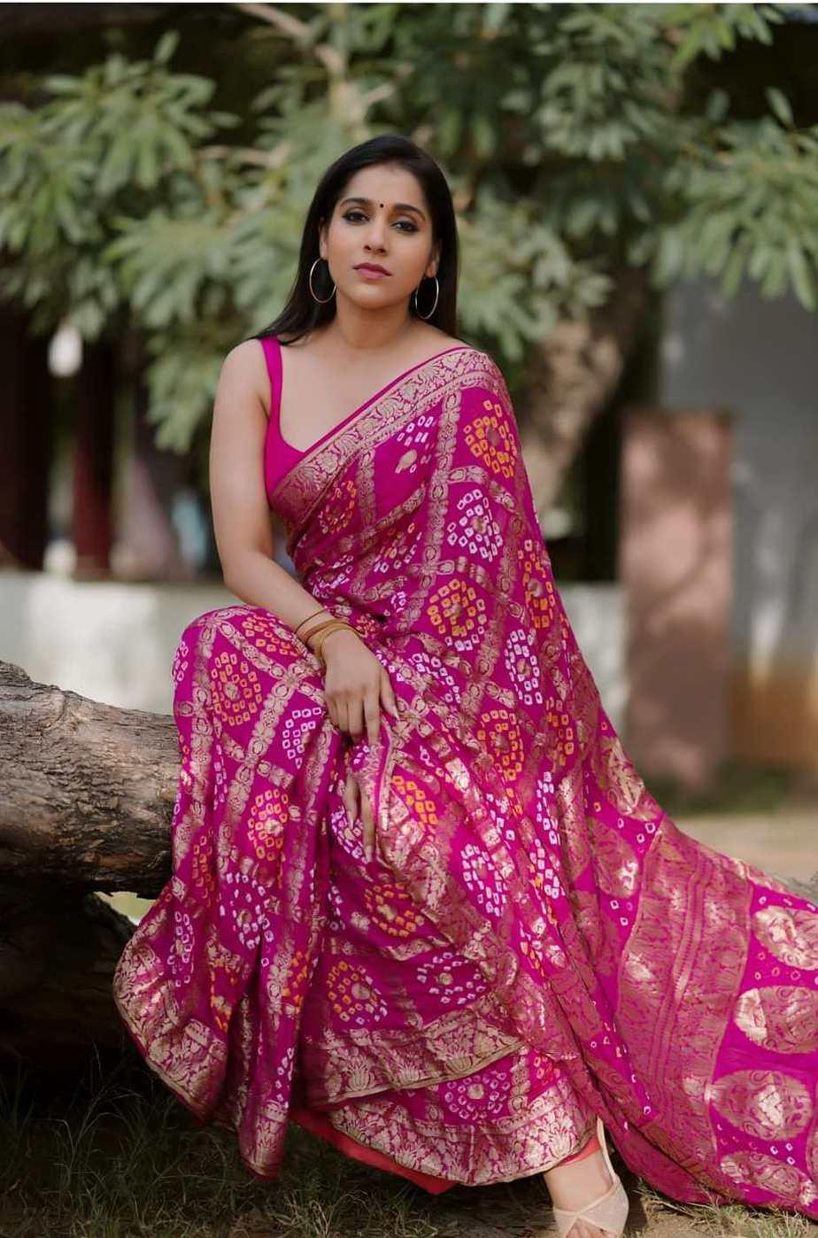Rashmi gautam in a pink bandhej saree by anvitha