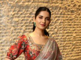 Ruhani Sharma in a sheer saree by Geetika kanumili for Nootokka Jillala Andagadu Movie Pre Release-2