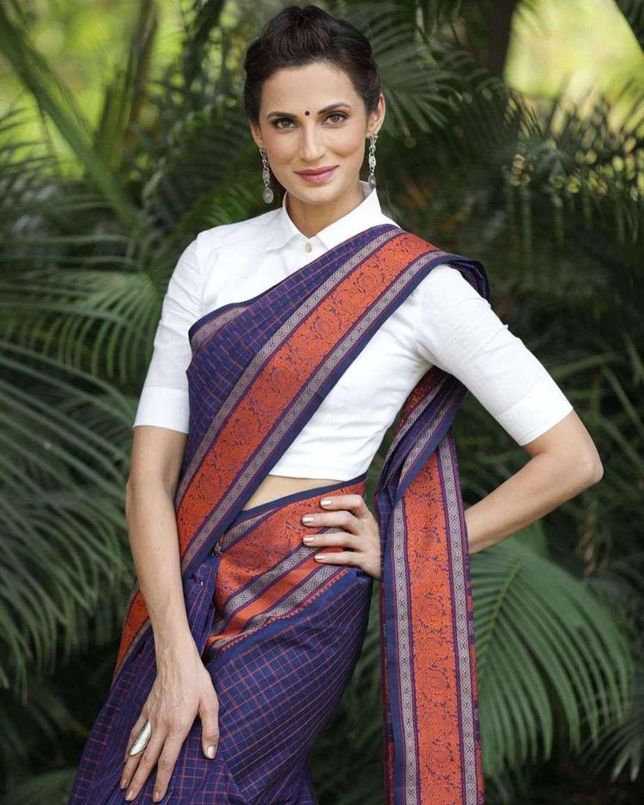 Shilpa Reddy in a navy blue Kanchi pattu saree by kankatala-4