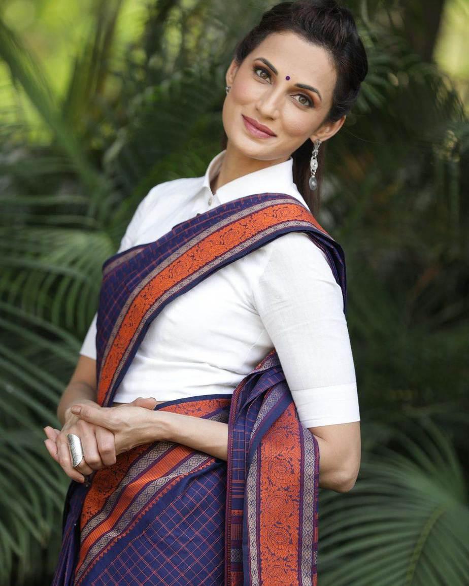 Shilpa Reddy in a navy blue Kanchi pattu saree by kankatala-1