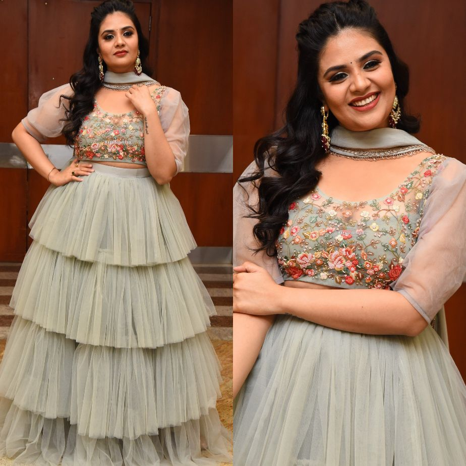 Sreemukhi in a grey tulle lehenga at Crazy uncles pre-release-1