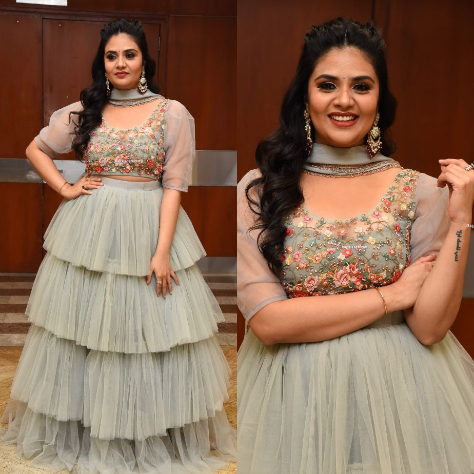Sreemukhi in a grey tulle lehenga at Crazy uncles pre-release-2