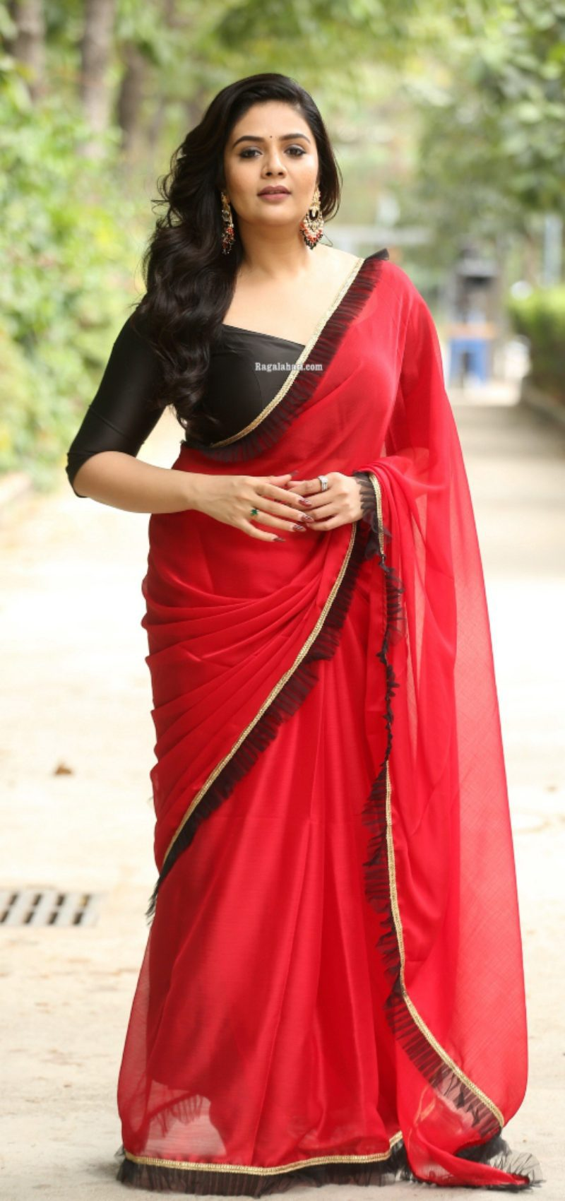 Sreemukhi in a red saree for crazy uncles event-1