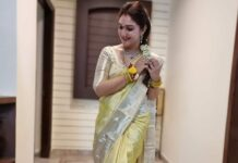 Sridevi Vijaykumar in light green pattu saree by sr collections for varalakshmi vratham-1