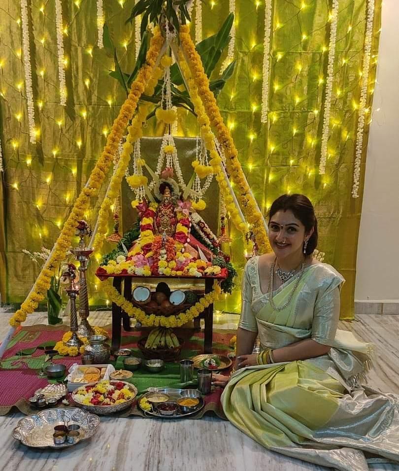 Sridevi Vijaykumar in light green pattu saree by sr collections for varalakshmi vratham-3