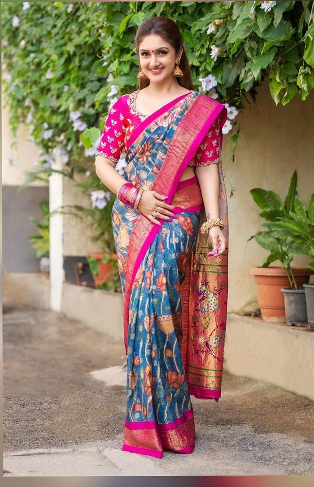 Sridevi vijaykumar in a indigo brand mandir saree for comedy stars-1
