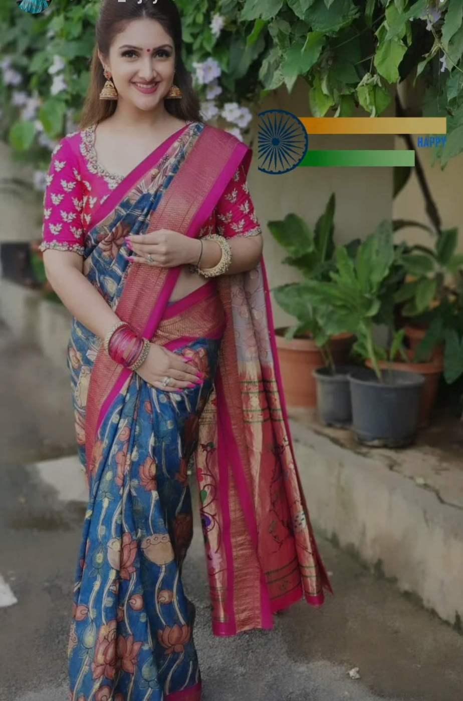 Sridevi vijaykumar in a indigo brand mandir saree for comedy stars-2