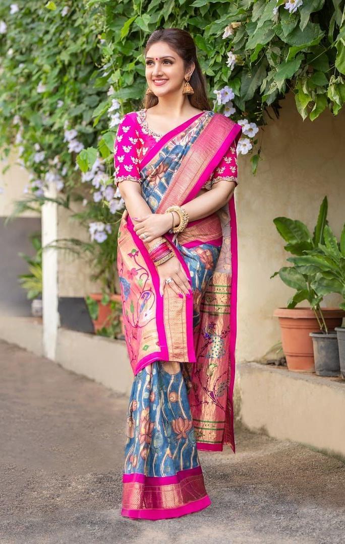 Sridevi vijaykumar in a indigo brand mandir saree for comedy stars