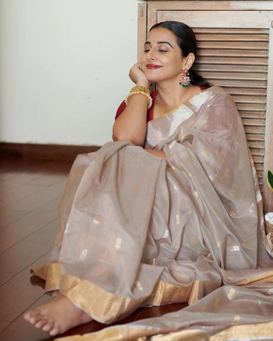 Vidya Balan in hazelwood saree by Maati crafts-1
