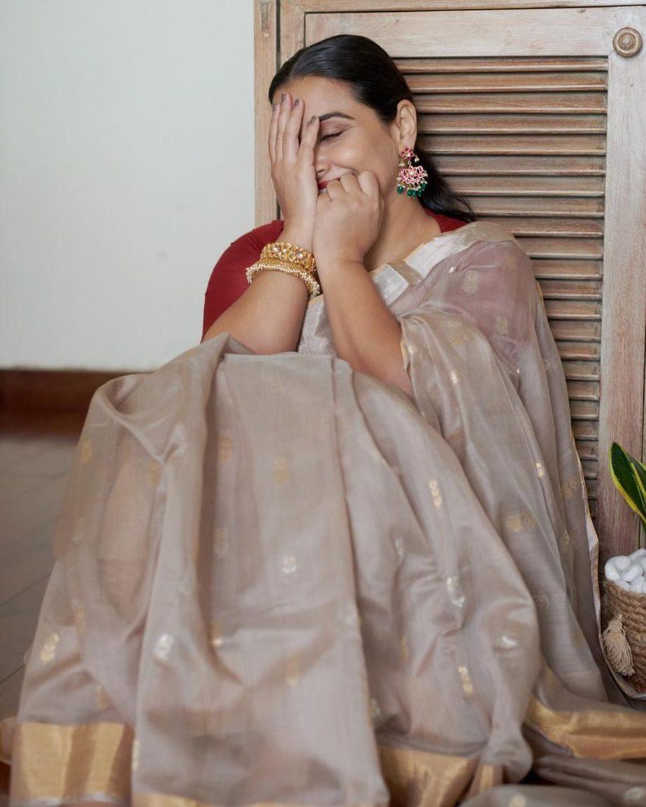 Vidya Balan in hazelwood saree by Maati crafts-2