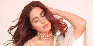 hina khan in manish malhotra saree