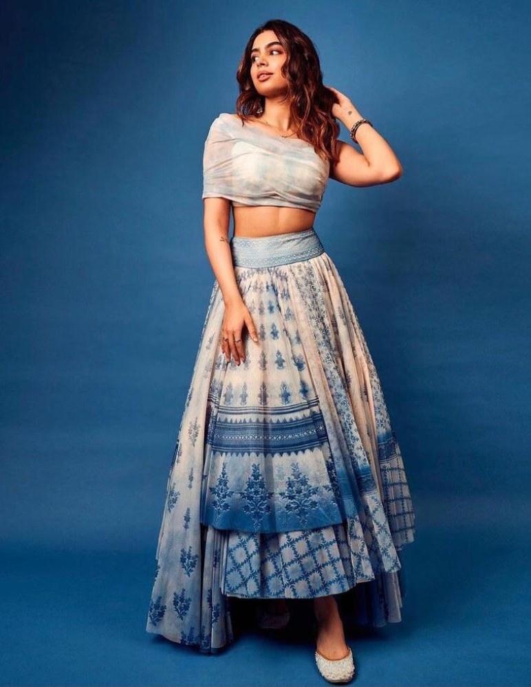 khushi gupta in blue anita dongre outfit