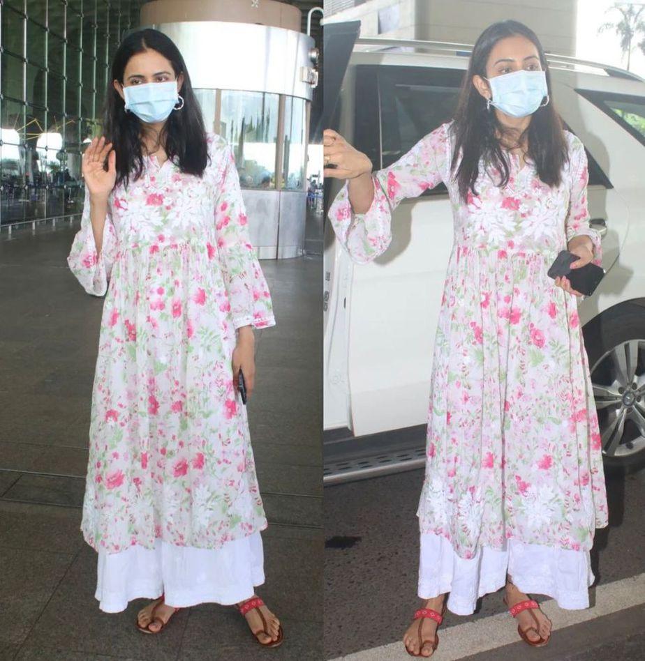 rakul preet in ethnic attire at airport