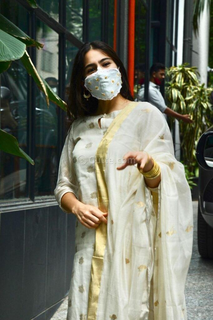 sara ali khan in an ivory suit set -2