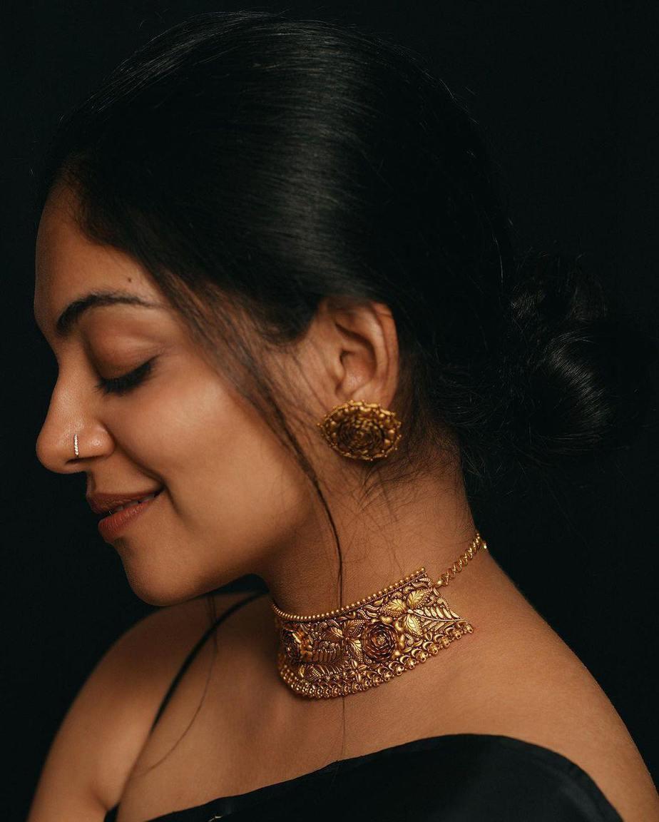 Ahaana Krishna in a black saree by ange bu OKJ Signet-1