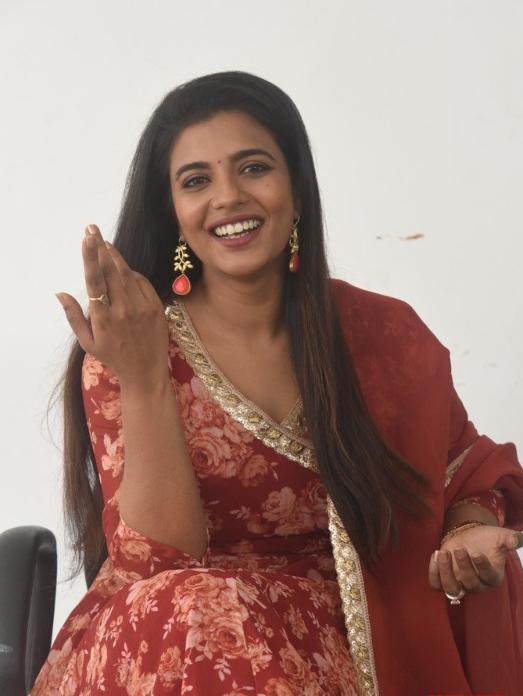 Aishwarya Rajesh in a brown anarkali set for republic interview-4