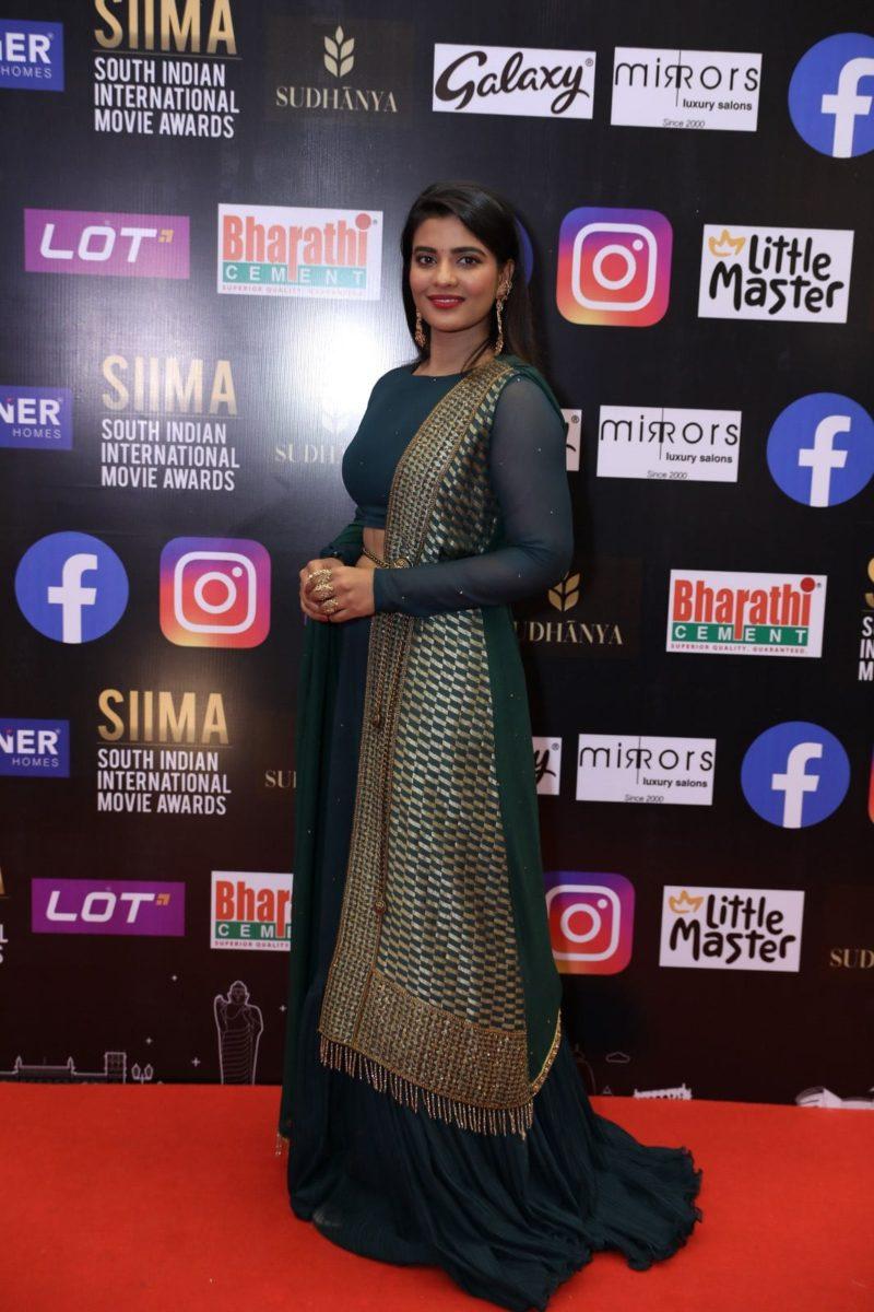 Aishwarya rajesh in a green lehenga set for SIIMA 2021-2