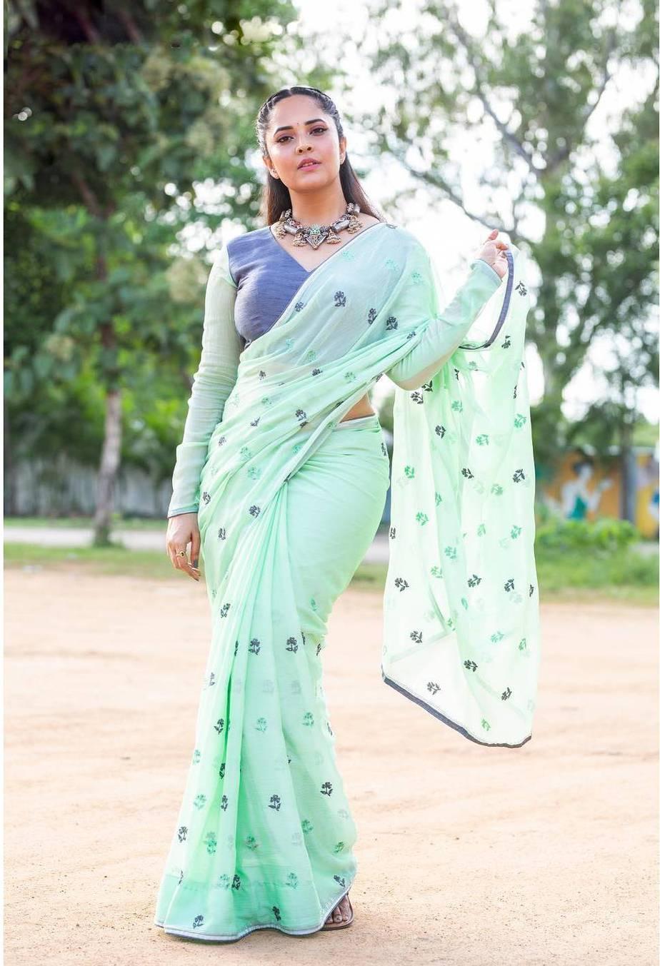 Anasuya Bharadwaj in a sea green saree by vasavi couture for jabardasth-4