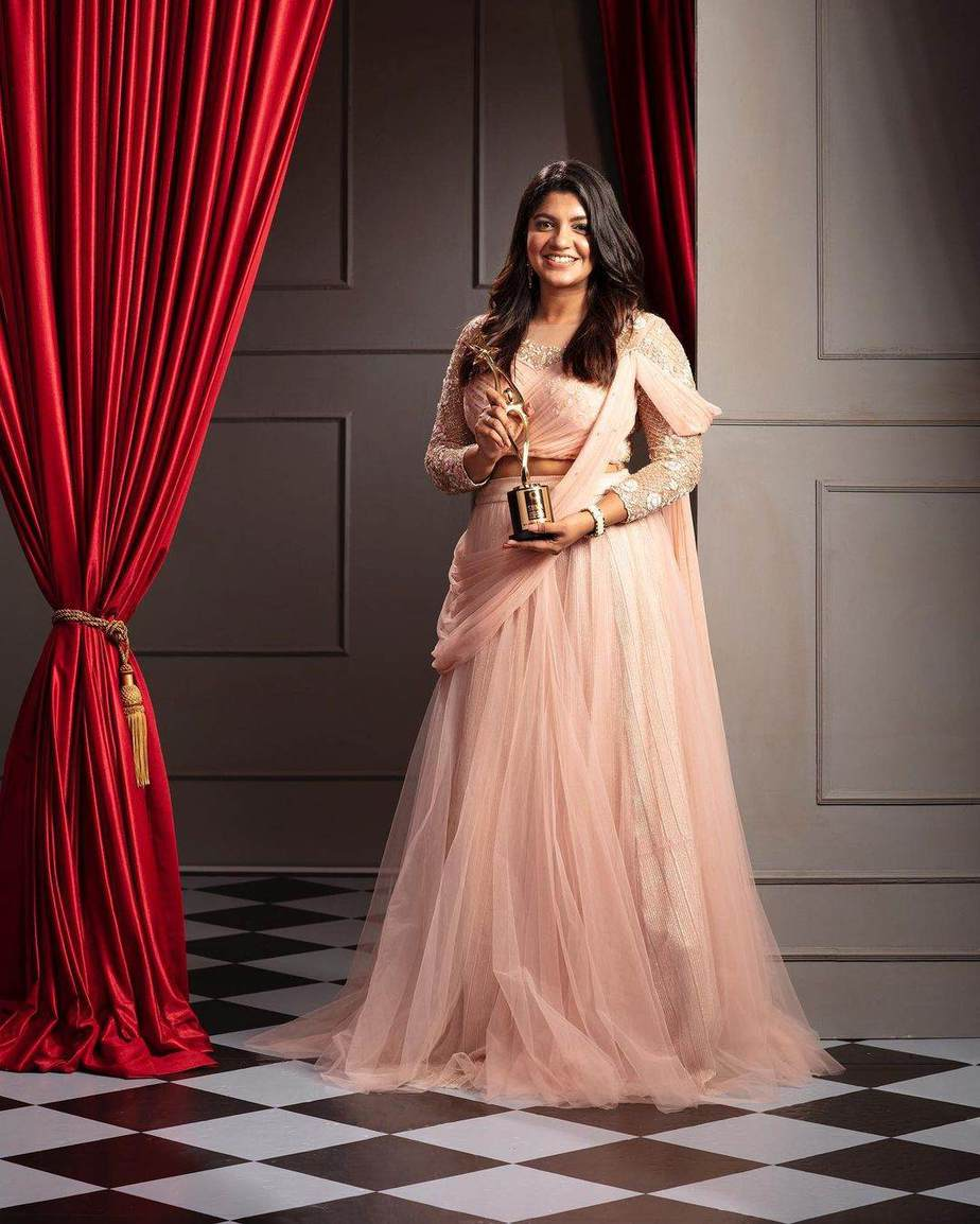 Aparna Balamurali in soft pink lehenga set by Thunnal for SIIMA 2021-2