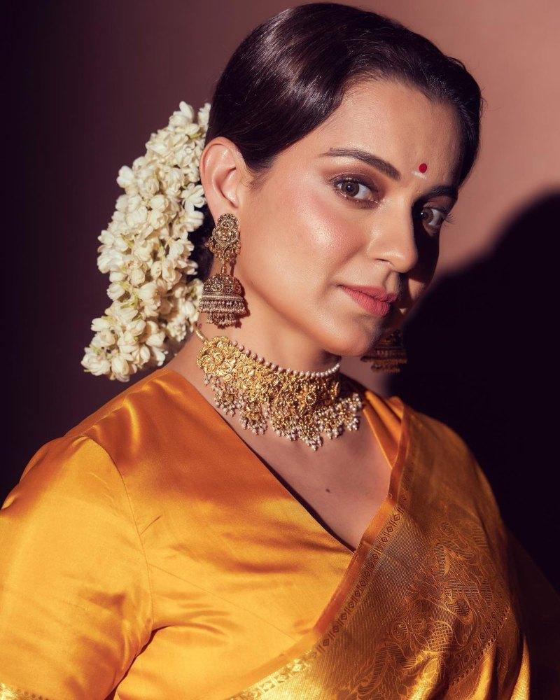 Kangana Ranaut in a yellow pattu saree for The Kapil Sharma Show-2
