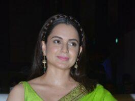 Kangana Ranaut in a green sabyasachi saree for Thalaivi pre-release event-1
