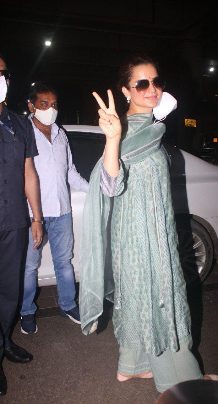 Kangana Ranaut in a pistachio green kurta set at the airport-1