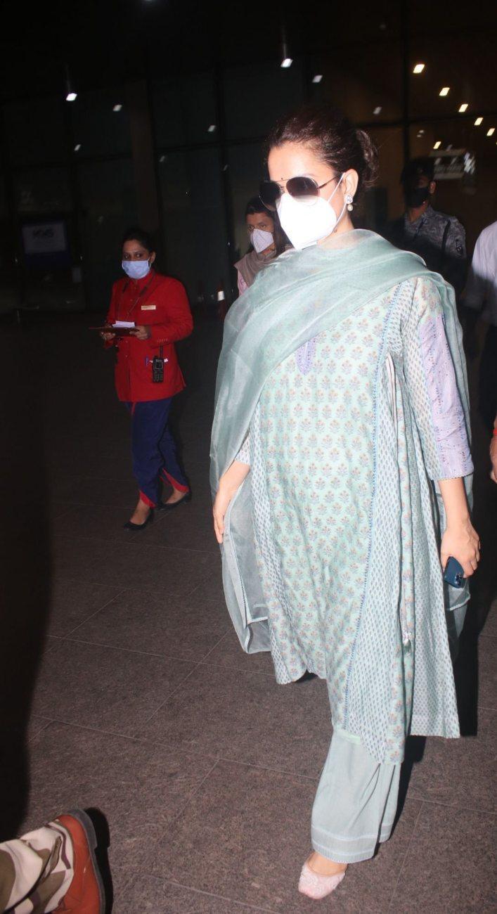 Kangana Ranaut in a pistachio green kurta set at the airport-2