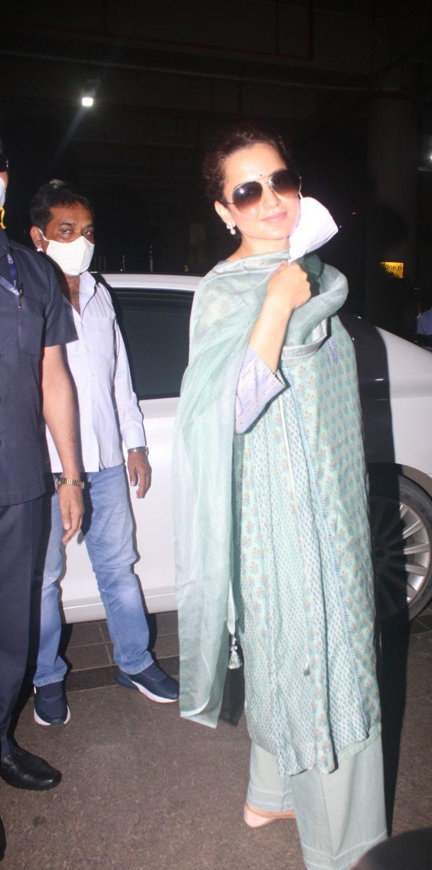 Kangana Ranaut in a pistachio green kurta set at the airport-3