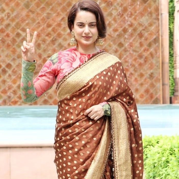 Kangana Ranaut in brown sabyasachi saree for Thalaivi special screening-2