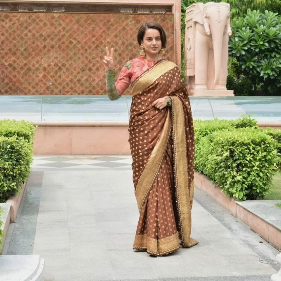Kangana Ranaut in brown sabyasachi saree for Thalaivi special screening-3