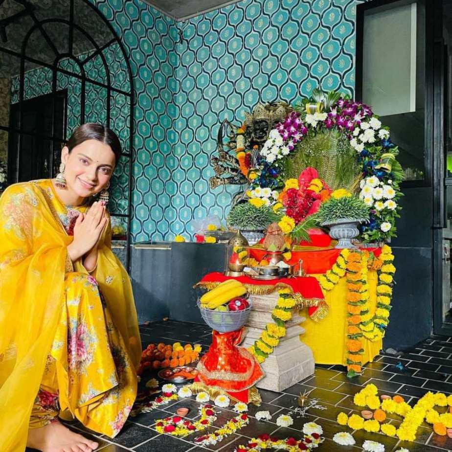 Kangana Ranaut in yellow Sabyasachi kurta set for Ganesh chaturthi-2