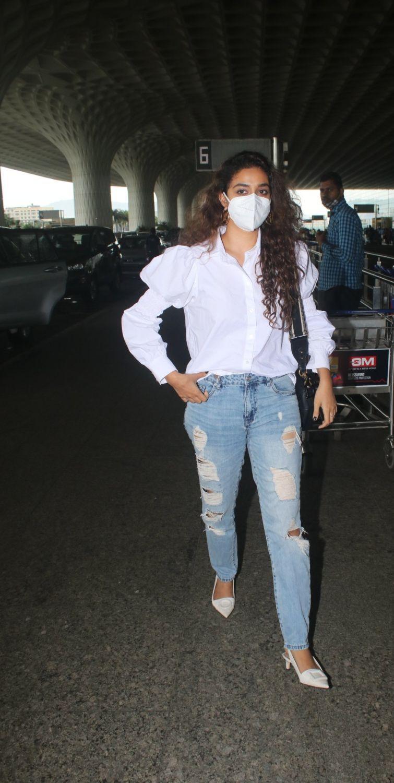 Keerthy Suresh in a white shirt-denim at airport-4