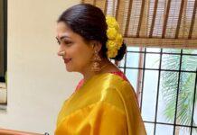 Kushboo Sundar in a yellow pattu saree for Ganesh Chaturthi-1